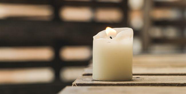 Kerze zum Neujahr