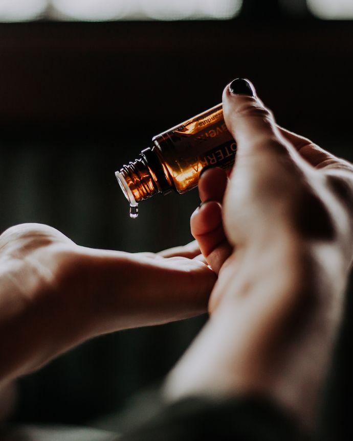 Ätherisches Öl benutzen