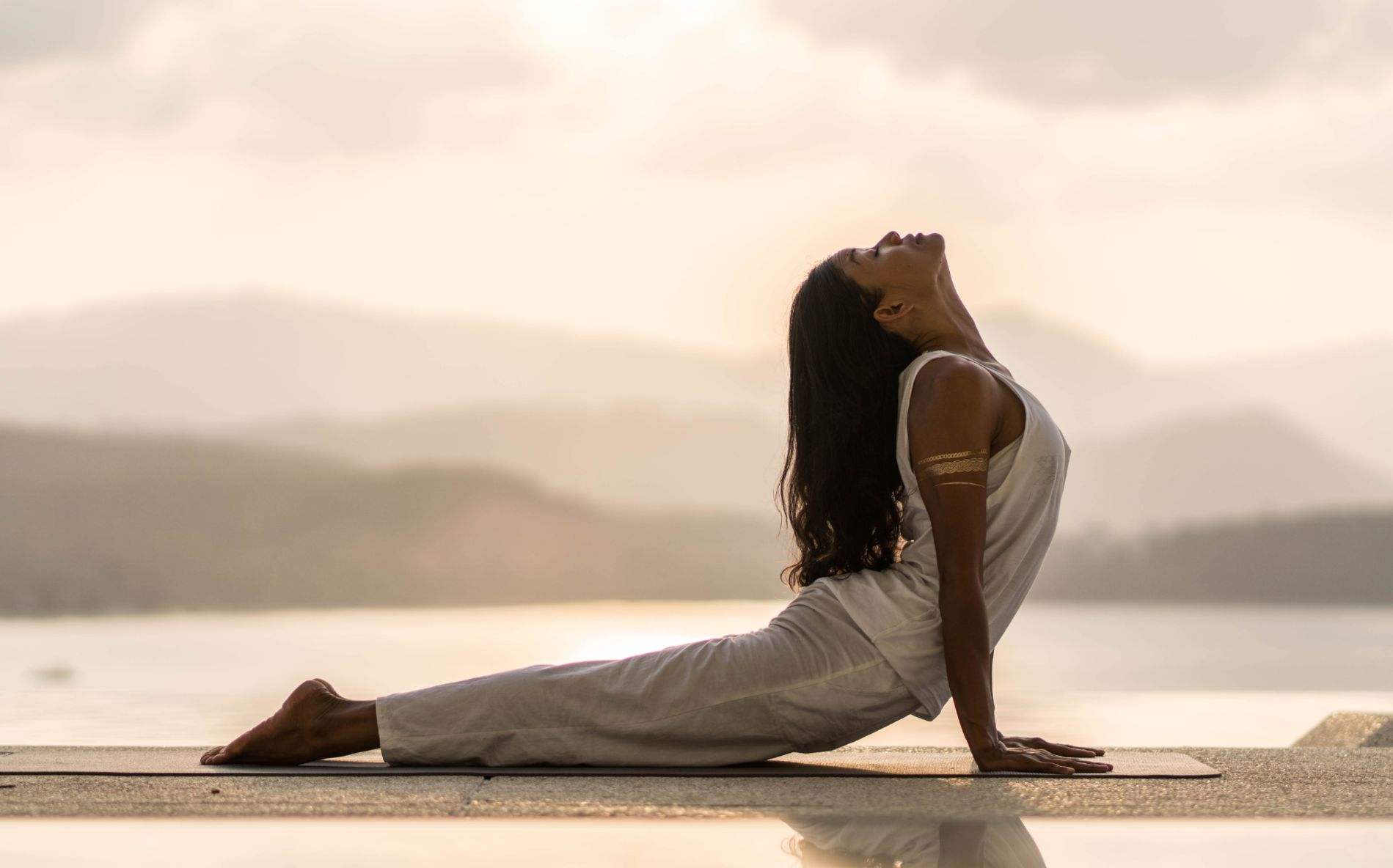 Kundalini meditation am See